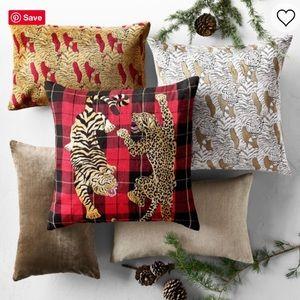NWT Williams Sonoma Velvet Jacquard Pillow Cover